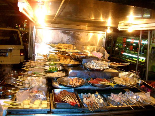 Veel voorkomend in de Maleisische keuken: satay of saté