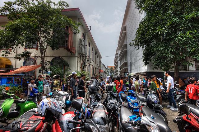 De Indonesische samenleving kampt met overbevolking, zeker in steden zoals Jakarta.