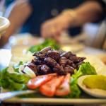 Lok Lak is een klassieker in de Cambodjaanse keuken