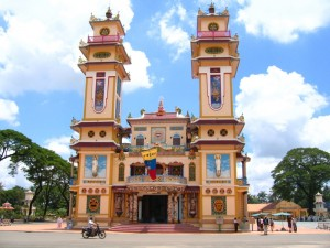 De Vietnamese samenleving: deze tempel is een Cao Dai tempel, een populaire sekte in Vietnam.