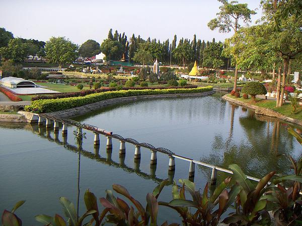 Thailand voor luieriken: bezoek Mini Siam in Pataya