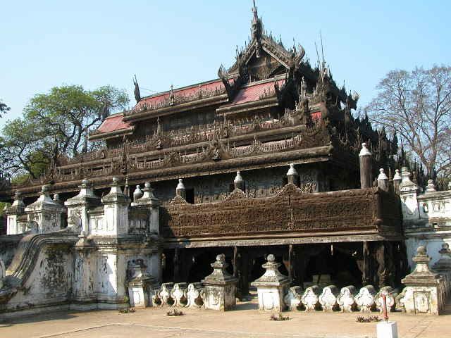 De houten kloosters: kandidaat UNESCO werelderfgoed van Myanmar