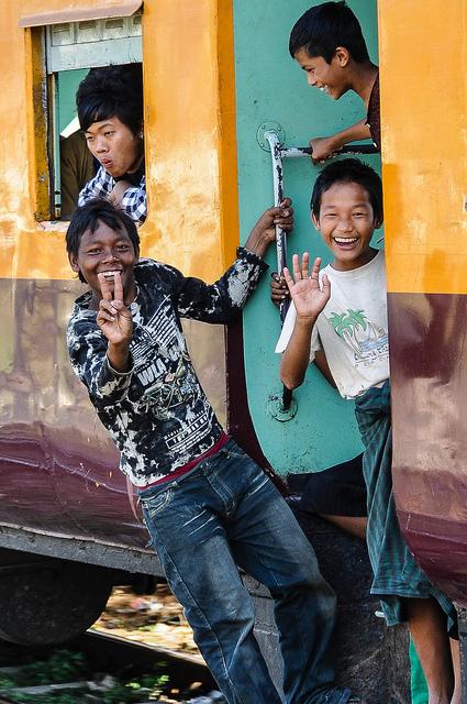 Rondreizen in Myanmar kan ook met de trein.