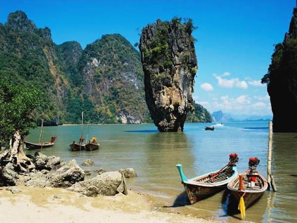 Eén van de indrukwekkende rotsformaties in Zuidoost-Azië: Phang Nga Bay
