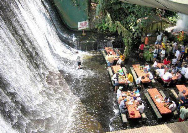 lunchen in een waterval