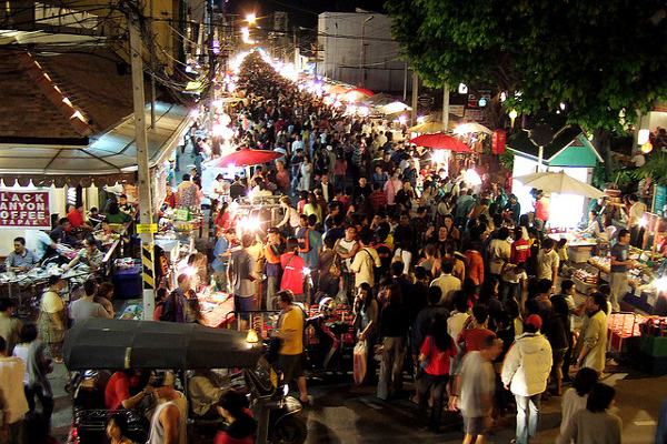 Avondmarkt in Chiang Mai, Chiang Mai staat op de 5de plaats in de lijst van top steden van Azië