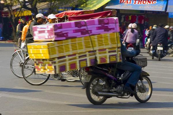 bromfiets als vrachtwagen
