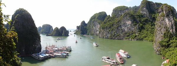 Eén van de indrukwekkendste rotsformaties in Zuidoost-Azië: Halong Bay