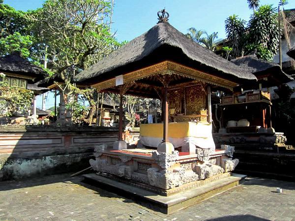 Pura Desa tempel in Ubud. Ubud staat op de 6de plaats in de lijst van top steden van Azië