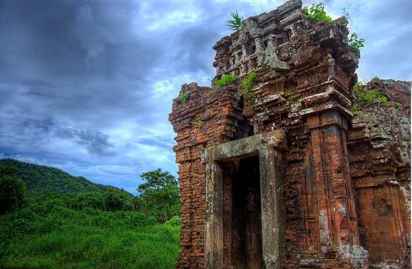 De My Son ruïnes zijn één van de bezienswaardigheden van Vietnam