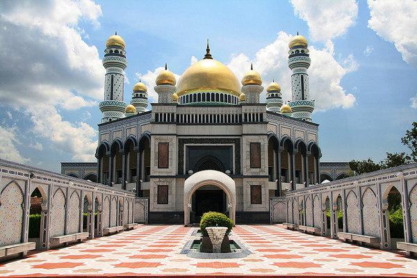 Jame'Asr Hassanal Bolkiah Moskee is één van de bezienswaardigheden van Brunei