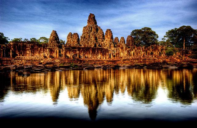 Bayon is één van de vele bezienswaardigheden van Cambodja die je in Angkor vindt