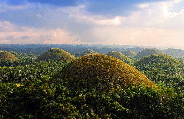 De Chocolate Hills zijn één van de highlights van de Visaya's, meer bepaald op het eiland Bohol.