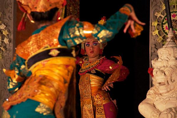 Bezienswaardigheden Indonesië, Bali: traditionele Balinese dans (legong)
