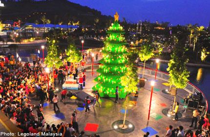 De grootste LEGO kerstboom van Azië
