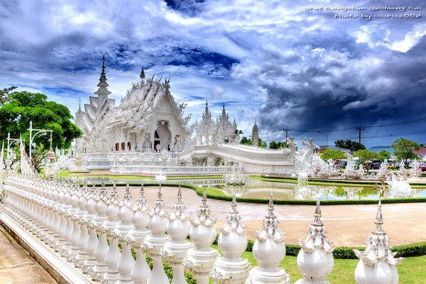 De 'White Temple' of Wat Rong Khun is één van de bezienswaardigheden van het noorden van Thailand