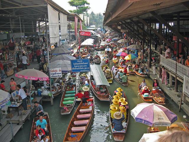 drijvende markt van Damnoen Saduak, in de buurt van Bangkok