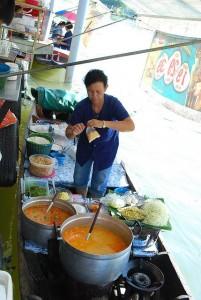 drijvende markt van Taling Chan, in de buurt van Bangkok