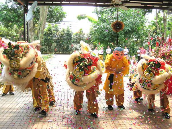 Leeuwendans tijdens Chinees Nieuwjaar in Singapore