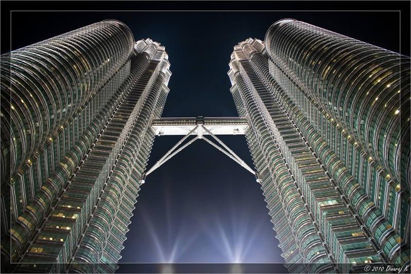 Maleisië met kids: ook de Petronas Towers zijn een leuke activiteiten voor wie Maleisië met de kinderen bezoekt