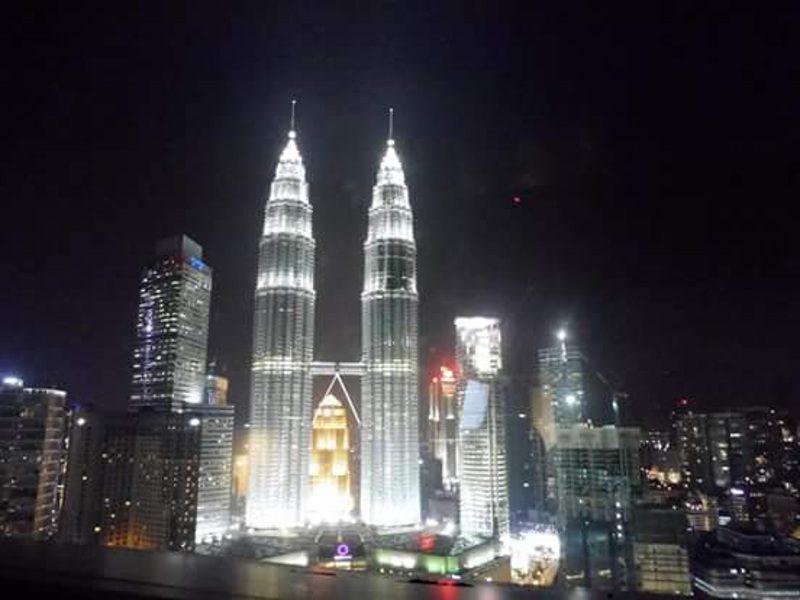 Petronas Towers verlicht ZOAM