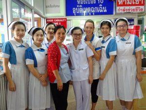 vrijwilligerswerk-thailand-collegas-ziekenhuis